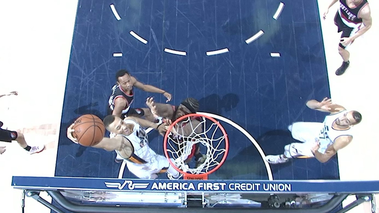 dante exum skies and dunks over the blazers 021517 wsal