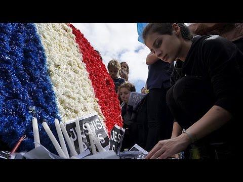 Παρίσι: Πίσω στα θρανία με σφιγμένη την καρδιά μαθητές και καθηγητές