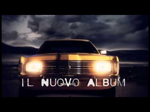 """, title : 'VASCO ROSSI, IL NUOVO ALBUM """"VIVERE O NIENTE""""'"""