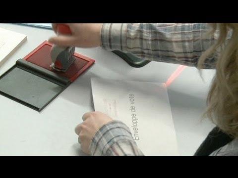 السويسريون يصوتون ضد زيادة أيام الاجازة - فيديو