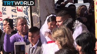 US-Mexico Border: Families reunite at 'Door of Hope' every year