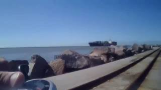 Maior praia do mundo Pedal ate a ponta dos molhes!Pedalando dentro dos molhes da barra - cassino-rio grande rs