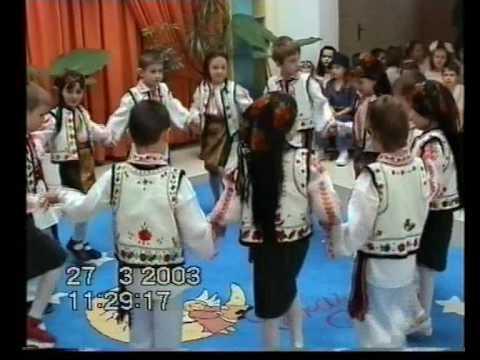 Dansuri populare romanesti la Gradinita Crai Nou Bacau