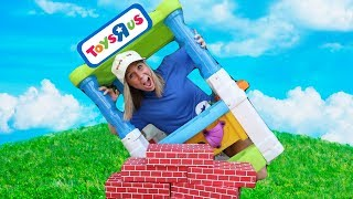 Video Pretend Toys R Us Stores Compete With Each Other !!! MP3, 3GP, MP4, WEBM, AVI, FLV Juni 2018