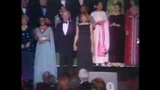 Video Elizabeth Taylor:50th MGM stars night 1974 MP3, 3GP, MP4, WEBM, AVI, FLV Maret 2019