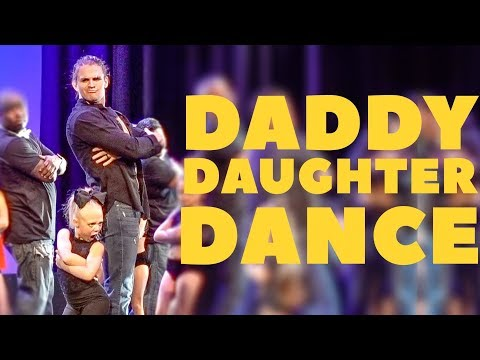EVERLEIGH AND COLE PERFORM CUTEST DADDY DAUGHTER DANCE ON STAGE!!! (видео)
