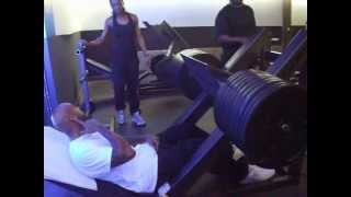 Booba with Lydie training legs (500kg)
