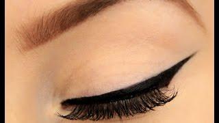 Zawsze miałam problem z idealną kreską eyelinerem! Ten genialny sposób sprawi, że zawsze jest równa!