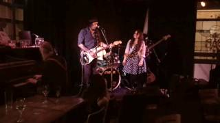 Glenn Skuthorpe and Band performing 'Running' from Great Beyonder album, live at the Lomond Hotel Brunswick in Nov 2016. With Kerri Simpson, Nathan May, Ann Metry and Tony Hargreaves.