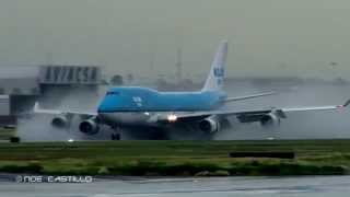 Video KLM Boeing 747-400 - Massive Reverse Thrust Spray - Landing at at Mexico City MP3, 3GP, MP4, WEBM, AVI, FLV Agustus 2018