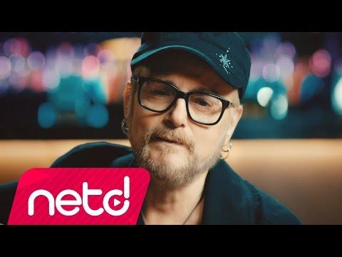 Gitme Seviyorum feat. Tan Taşçı Video Klibi İzle