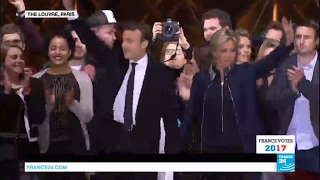 Video France: President-Elect Emmanuel Macron sings the French anthem La Marseillaise MP3, 3GP, MP4, WEBM, AVI, FLV November 2017