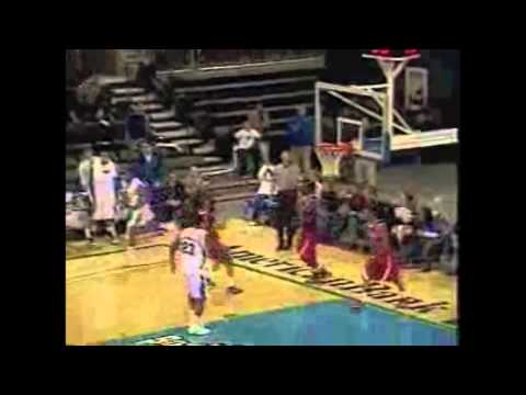 Top Moment #7 - MBB Knocks Off Houston