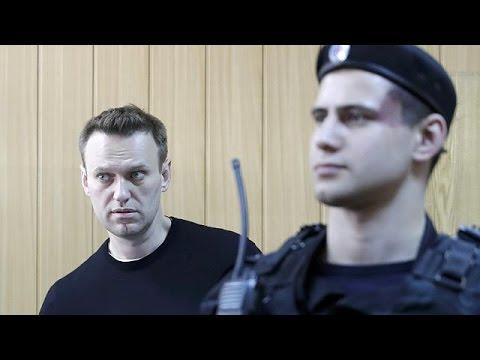 Αποφυλακίστηκε χωρίς… μάρτυρες ο Αλεξέι Ναβάλνι