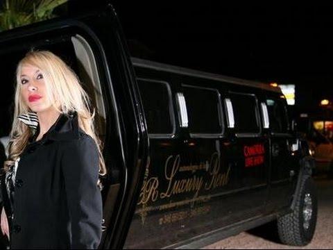Video Zelica Martinelli e Nadia Mori  - MADRINE  alla discoteca Rex arrivano in limousine download in MP3, 3GP, MP4, WEBM, AVI, FLV January 2017