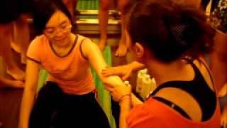 妍姿經絡瑜珈瘦手臂經絡按摩方法