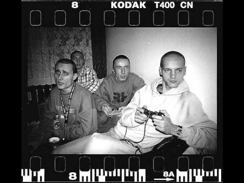 Tekst piosenki Paktofonika - Na mocy paktu (Intro) po polsku