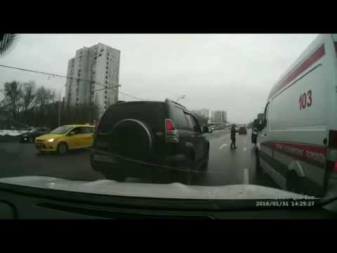 Russian Taxi Driver Blocks Ambulance on Duty