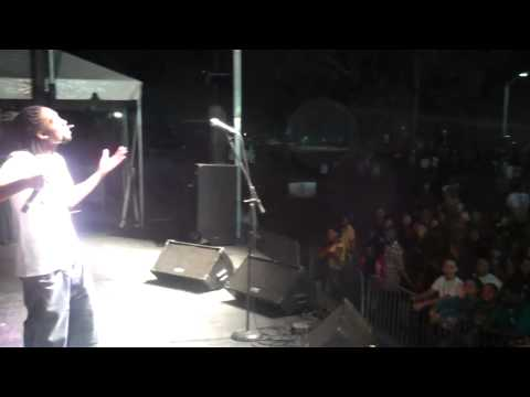 Comedian Akeem hosts USF Homecoming 2010
