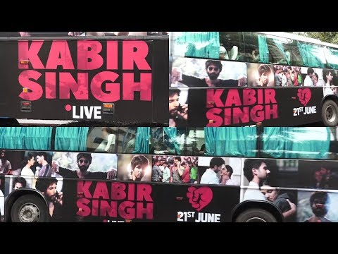 Kabir Singh Live Bus Leaves Mumbai From T Series Office To Pune For Promotion