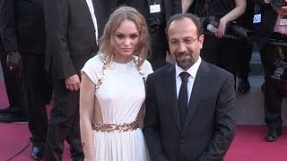 Video Lily Rose Depp on the red carpet for the Opening Ceremony of the 70th Cannes Film Festival MP3, 3GP, MP4, WEBM, AVI, FLV September 2017