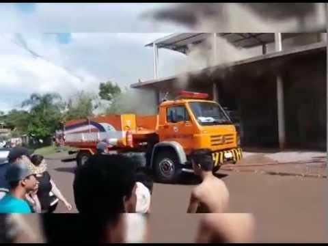 Casa é destruída por incêndio em Santo Antônio do Sudoeste
