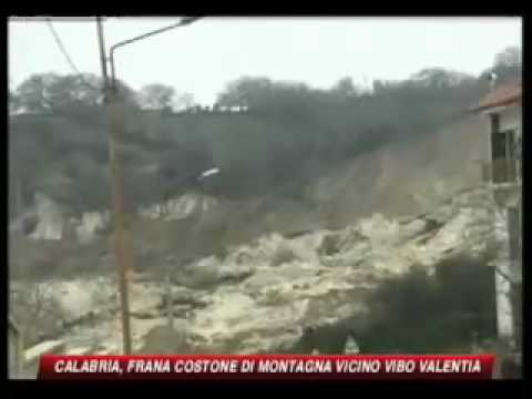 Landslide - Italy http://www.yachtcharter-aroundtheglobe.info 16.02.2010 Impressive landslide caught on video Italien http://www.hotels-aroundtheglobe.info Italy Calabri...