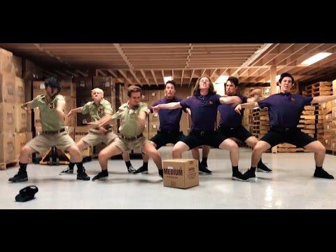 Ja taas paketit myöhässä – Ultimate FedEx vs UPS Dance Battle