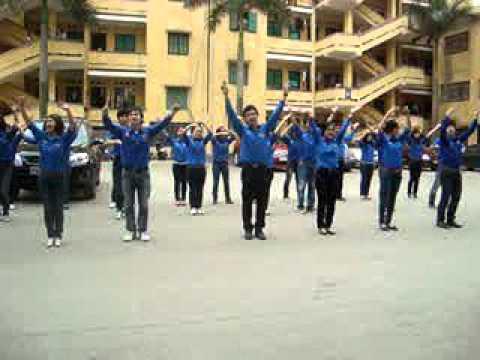 Dân vũ Rasa sayang cùng CLB Tình nguyện trường Đại học Luật HN