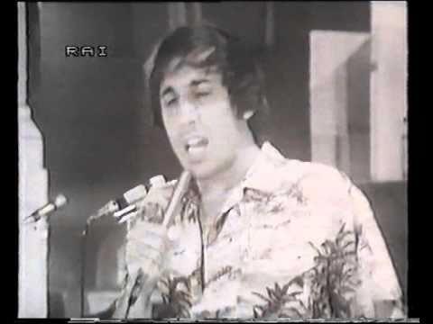 adriano celentano - un albero di 30 piani (video raro) 1972