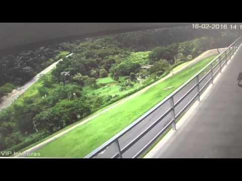 Pouso forçado de Aeronave em Santa Isabel - Vídeo 1