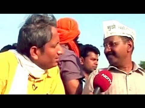 Aap - Prime Time: We cover the roadshow by Arvind Kejriwal in Varanasi and speak to various supporters who explain what made them quit being loyal to other parties...