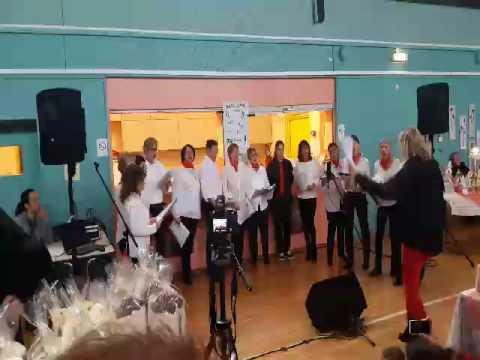 Autre prestation de la chorale d'Albigny danse.