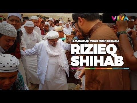 Rizieq Shihab Hadir di Pemakaman Mbah Moen