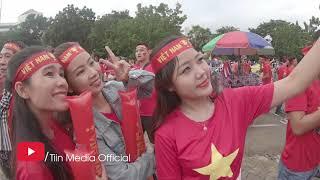 Video CĐV Việt Nam làm Thái Lan bất ngờ tại cổng vào sân Thammasat, hình ảnh không có trên tivi trực tiếp MP3, 3GP, MP4, WEBM, AVI, FLV September 2019