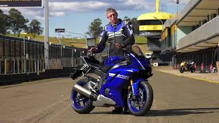 4. 2017 Yamaha YZF-R6 Review