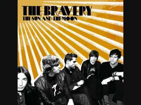 Tekst piosenki The Bravery - Above And Below po polsku