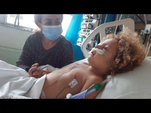 طفل يدخل في غيبوبة بسبب كورونا.. ما قصته؟