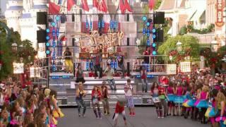 Video Bella Thorne  and Zendaya Coleman - Shake It Up. Disney Christmas Parade 2011 MP3, 3GP, MP4, WEBM, AVI, FLV Juni 2019