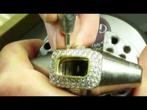 8.00ct. Emerald Ring. Kuwait diamond setter (Nazo Arabian)