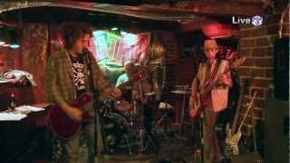 Шум - Напушените Баби (Live @ 3ushi 25/11/2011)