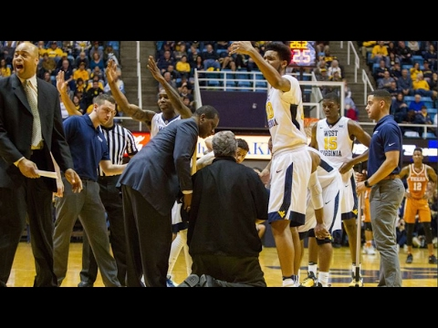 Bob Huggins Has Scare, Collapses Before Halftime | CampusInsiders (видео)