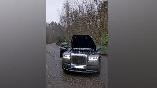 Taki pokaz robi wrażenie. Silnik V12 w ogromnym Rolls Royce