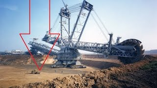 Largest machines in the worldHello Facts brings you world's largest machines ever built, these machines are the all time top 9 largest machines used by man, they are just not large they are huge. This list is at random and not ranked in any order.Description:This video contains the list of heavy duty big machines ever built by man, these machines may either be used in the past or are still used now and  they are in  no particular order.To Get more facts Subscribe to our channel at : http://bit.ly/2aiMv9JLog on to our page : https://www.facebook.com/hellofacts/If you like this video plz share it : https://youtu.be/RdB2rlGWXn0No Copyrights intended.