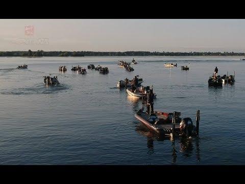 碧水渔具-2018华钓系列赛BOQ单人赛壮观的发船现场航拍