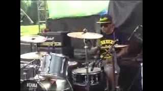 Download Lagu Band Musik Rock Tanpa Batas - Boyolali Live Ndayu Park Sragen 2014 Part 1 Mp3