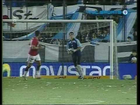 Increible gol de Esteban Fuertes a Racing