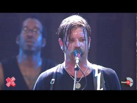 Performance Eagles Of Death Metal with Whore Hoppin' @ Lowlands 2012