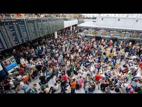 Lange Schlangen am Münchener Flughafen: Chaos nach Sic ...