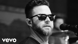Purchase David Nail's latest music: http://umgn.us/davidnailpurchaseStream the latest from David Nail: http://umgn.us/davidnailstreamSign up to receive email updates from David Nail: http://umgn.us/davidnailupdatesWebsite: http://www.davidnail.comFacebook: https://www.facebook.com/DavidNailInstagram: https://www.instagram.com/davidnailTwitter: https://twitter.com/davidnailMusic video by David Nail performing Night's On Fire. (C) 2015 MCA Nashville, a Division of UMG Recordings, Inc.http://vevo.ly/eiavBX